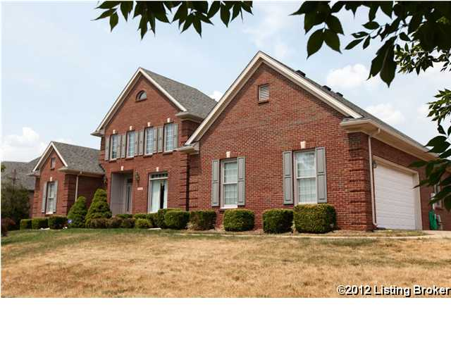 Home Of The Week | 7915 Hall Farm Drive | Louisville, KY 40291